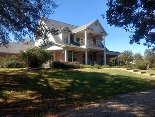 Lower Summer Rates for These Crazy Times! Bentwater, Lake Granbury,Sleeps 8-16