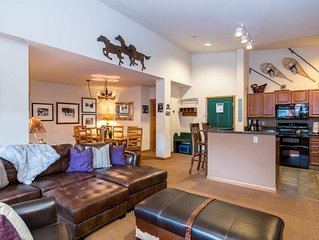 Spacious 3Bd Townhome | Ski In\Ski Out | Base Area Amenities | Views of Divide