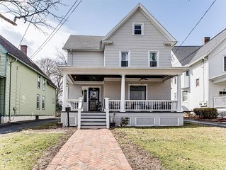 CHARMING Main Street Home: Located in the heart of the Finger Lakes