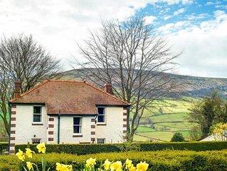Oaklea Cottage - Four Bedroom House, Sleeps 8