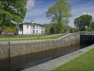 Telford House West -  a scottish canal that sleeps 6 guests  in 2 bedrooms