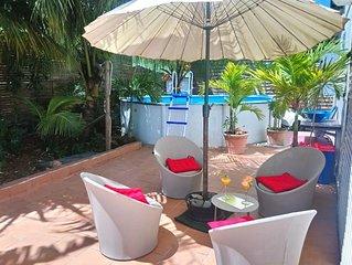 Joli bungalow avec piscine and jardin