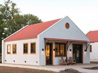 Little Dutch Cabin #1 - 12 min to Magnolia-Baylor