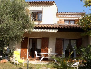 Villa 120m2, limite Frejus/Saint Raphael, 3 chambres/6 personnes, de 600 a 980€