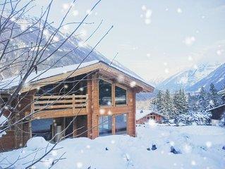 Chamonix-Les Houches. Beau chalet recent en madriers. Calme et proche nature.