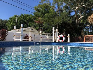 Heated pool Beach style 3BR/2BR remodeled house close 6 min to beach
