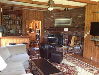 Ellicottville Ski House, Cozy Country Home Minutes from Slope