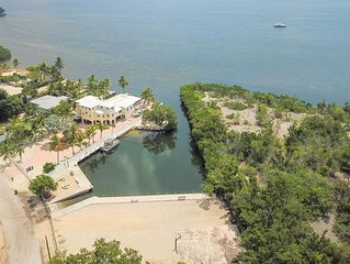 Paradise and Vacation Haven with FREE BOAT RAMP AND DAY DOCKAGE