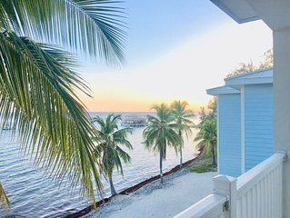 Location! Newley Updated BEACH front Condo, Seaside Sunsets, Location!