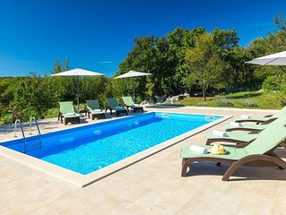 Charming villa with nice garden and private pool