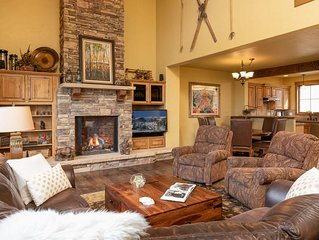 Expansive Mountain Retreat With Private Hot Tub