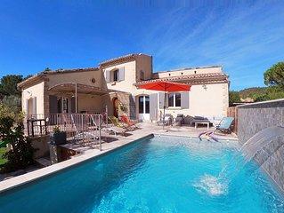 Grande maison piscine chauffee* en Provence, avec vue dominante (12 couchages)
