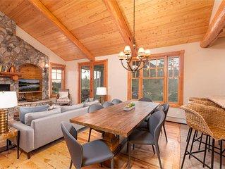 PET FRIENDLY Cabin | Mountain Modern Design | Cozy Private Hot Tub