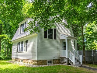 This cottage is a 1 bedroom(s), 1.5 bathrooms, located in Manchester, VT.