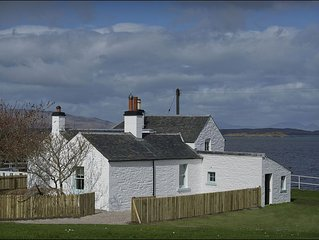 Seaview Cottage -  a scottish canal that sleeps 4 guests  in 2 bedrooms