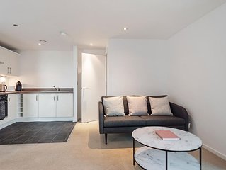 Sunny and Spacious 2BR Apartment