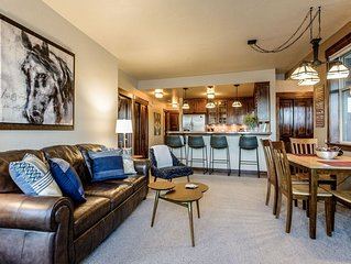 Gorgeous Private Condo w/ All The Amenities | Large Private Hot Tub | Minutes fr