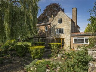 A delightful end of terrace house, set within the pretty town of Bidford-on-Avon
