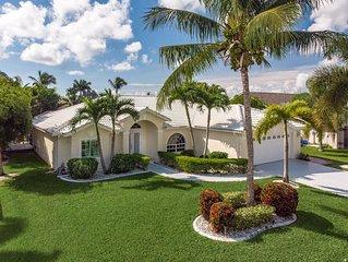 Bezaubernde Villa in bester Lage, mit Traumpool und Spa, direkter Golf Access