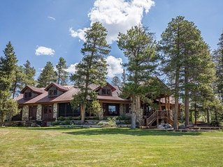 Beautiful secluded mountain home with Amazing views on over 40 acres!!