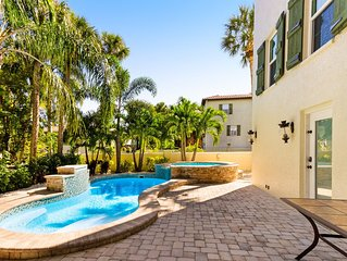 Lovely home w/ private heated pool, spa, several balconies-walk to beach/trolley
