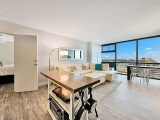 Waterfront condo w/ a shared pool & direct beach access