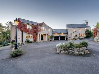 Country House Nestled in the Ribble Valley - Sleeps 12