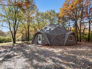 Professionally Sanitized - Dome Away From Home - Secluded Naperville Retreat