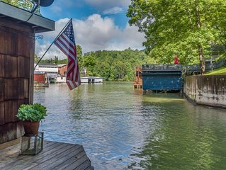 LAKE LURE LAKEFRONT | 2 BED | 1.5 BATHS | ROMANTIC | FANTASTIC DOCK AREA WITH FI