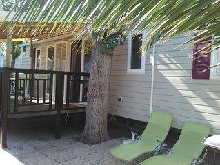 Joli bungalow avec acces piscine