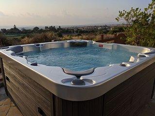 Villa Panorama: Pool, views, wifi, comfort for six
