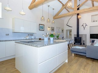 5 bedroom accommodation in Middleton-by-Youlgrave, near Bakewell