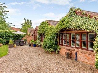 5 bedroom accommodation in Cotgrave, near Nottingham