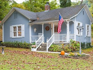 Charming, secluded cottage in a prime location near Little River