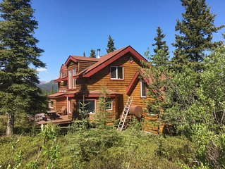 ☆ Denali Sunset House - Wild scenery with creature comforts!