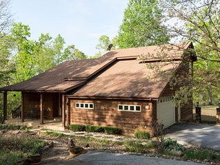 PET FRIENDLY ~ FIREPLACE ~ INTERNET ~ SCREENED PORCH ~ LAKE ACCESS CLOSE BY ~ PA