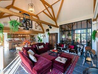 Beautiful & Luxurious Farmhouse