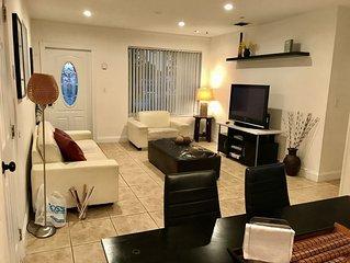 Estrada's Cozy Vacation Home Near Hollywood Beach