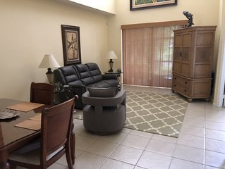 4 Br Townhouse In Beautiful Castlepines - PGA Village