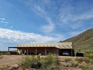 Sunrise Ridge: Relax Inside or Outside. Newly Built Home. Three Miles from Terli