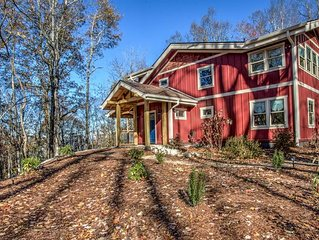 Bearwallow Retreat; located at top of Bearwallow Mountain. Hiking, relaxation, H