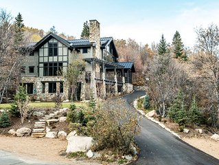 Elk Meadows- 5 BD- Timber Frame Chateau- Secluded, Panoramic Views