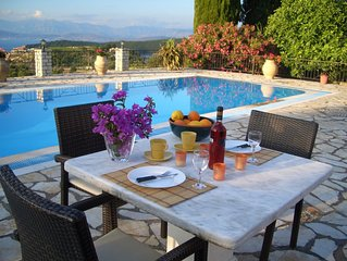 traditional-style country cottage in Kassiopi with a great swimming pool