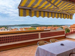 Ferienwohnung mit wunderschöner Dachterrasse, Meerblick, WLAN, Klima und nur 500