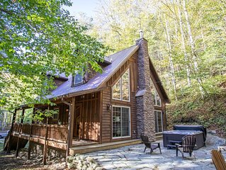 Charming Mountain Cottage with Hot Tub, Firepit, King Suite, Pet Friendly, Fishi