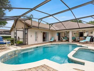 Stunning 4 Bed, 3 bath villa with southwest facing pool and spa