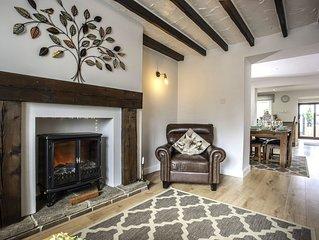 Moor Cottage- Attractive home with garden, sleeps 7 KYNREN