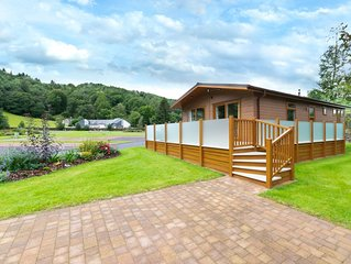 Set in a fantastic location within a short stroll of Betws y Coed, this 5-star l