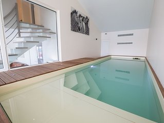 Villa (penthouse duplex) piscine intérieure et spa privés, billard, vue mer 180°