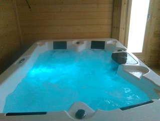 Belle renovation a la campagne et a 10kms de la mer avec spa jacuzzi privatif